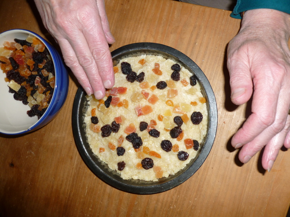 Tudor christmas food young archaeologists club archaeology for you bake tudor marchpane forumfinder Gallery