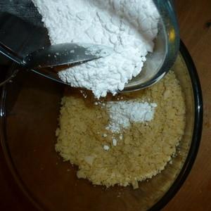 Bake Tudor marchpane