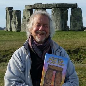 <div class='photo-title'>Julian Richards at Stonehenge</div>