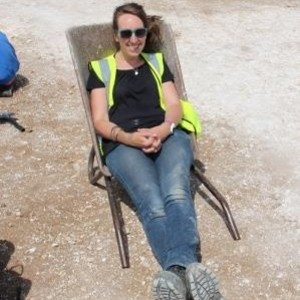 Leader Gemma shows us how to use a wheelbarrow!