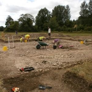 <div class='photo-title'>Spot the young archaeologists!</div><div class='photo-desc'></div>