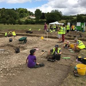 <div class='photo-title'>A busy day on site at Lazerton</div><div class='photo-desc'></div>