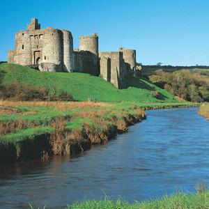 <div class='photo-title'>Kidwelly Castle</div><div class='photo-desc'></div>
