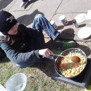 <div class='photo-title'>Tasty Tudor treats with Peak District YAC</div><div class='photo-desc'>Cooking the vegetable pottage</div>