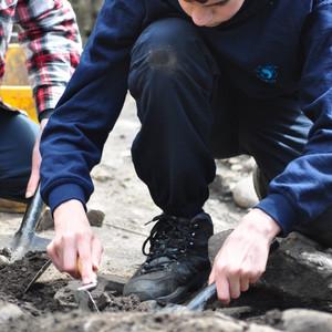 <div class='photo-title'>Connor busy digging</div><div class='photo-desc'></div>