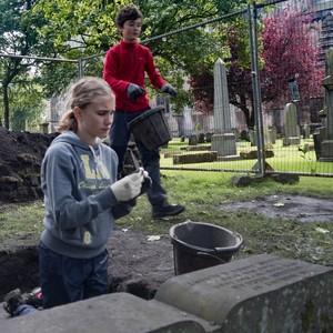 Dunfermline YAC: Graveyard Dig 2016 – Cobblers!