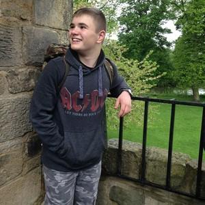 <div class='photo-title'>William explores Kirkstall Abbey</div><div class='photo-desc'></div>