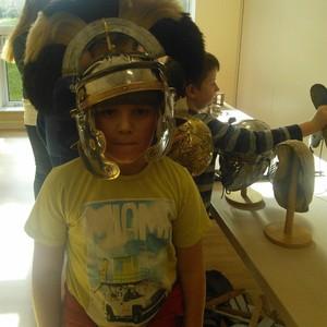 <div class='photo-title'>A splendid Roman helmet!</div><div class='photo-desc'></div>