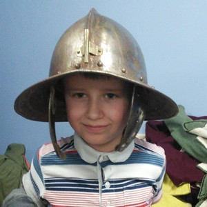 <div class='photo-title'>Cool head gear!</div><div class='photo-desc'></div>