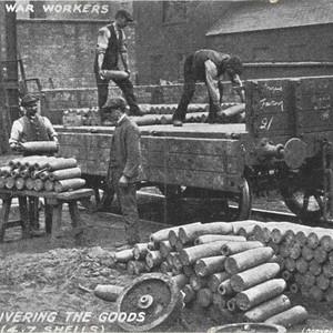<div class='photo-title'>Workers loading munitions</div><div class='photo-desc'>© C. Kolonko </div>