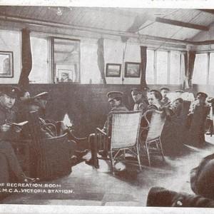 <div class='photo-title'>Soldiers' Recreation Room, Victoria Station London</div><div class='photo-desc'>© C. Kolonko</div>