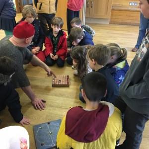 <div class='photo-title'>Roman board games</div><div class='photo-desc'></div>