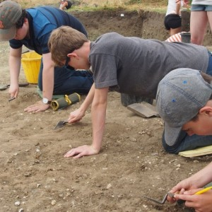 <div class='photo-title'>Digging!</div><div class='photo-desc'></div>