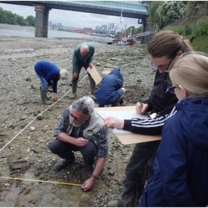 <div class='photo-title'>Drawing plans on the Thames foreshore</div><div class='photo-desc'></div>