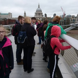 <div class='photo-title'>An awesome view along the Thames</div><div class='photo-desc'></div>