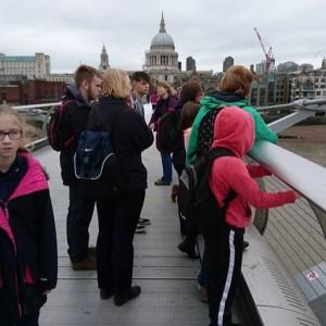 <div class='photo-title'>An awesome view along the Thames</div><div class='photo-desc'></div>