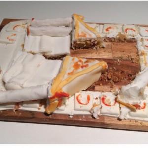 <div class='photo-title'>An earthquake?! The temple cake is destroyed...</div><div class='photo-desc'></div>